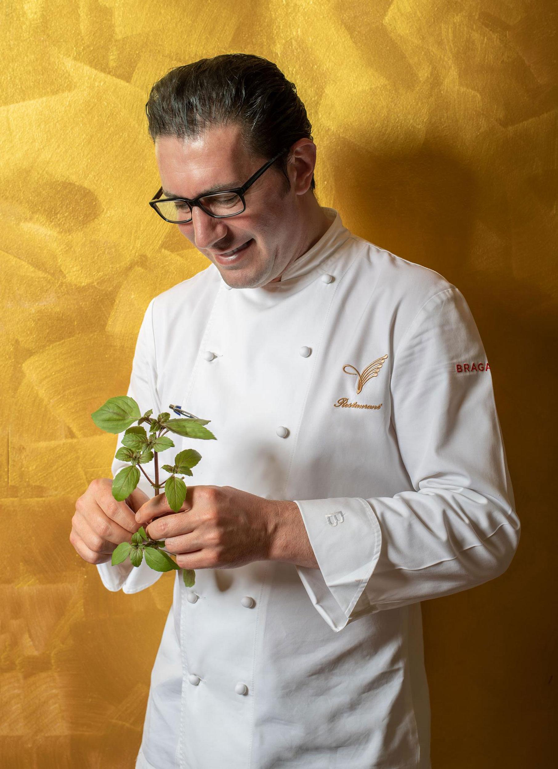 Il Gelso Nero, ristorante a Castellucchio (Mantova), è il connubio tra la tradizione culinaria Mantovana e la cucina Fusion Internazionale caratteristica dello Chef Faruk Neziri.
